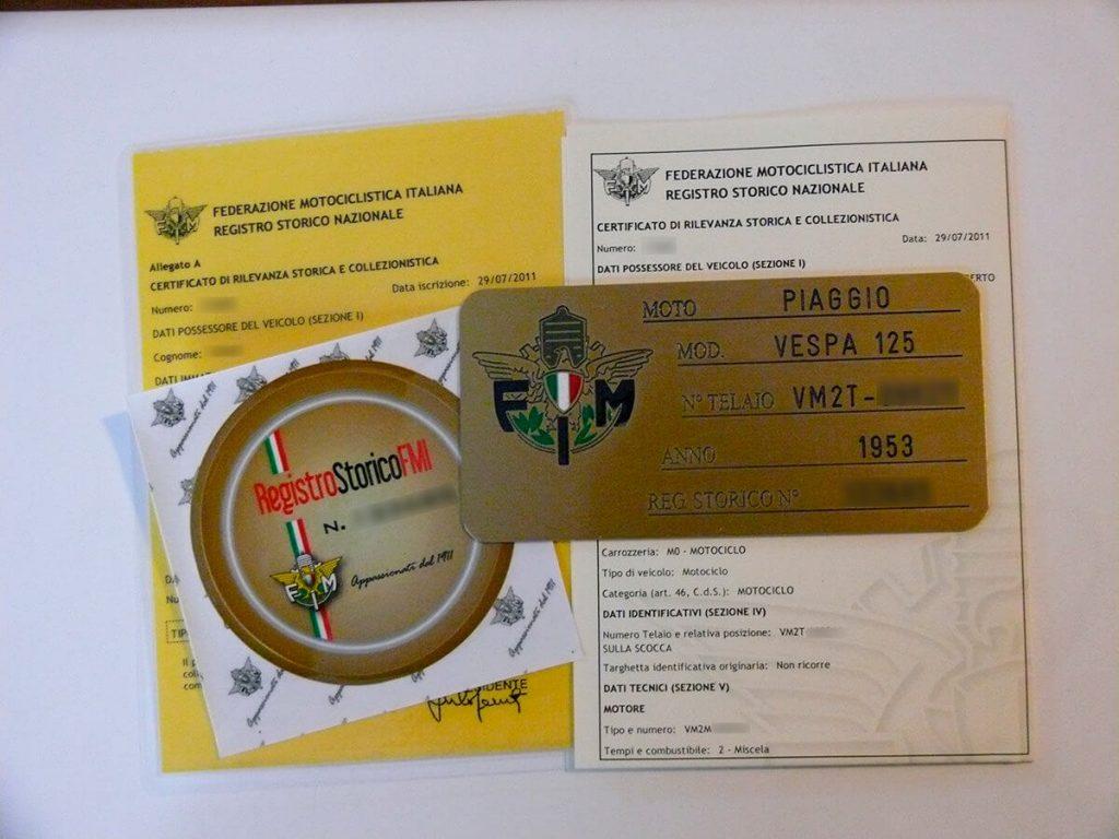 Certificato di rilevanza storica e collezionistica e targa oro della vespa 125 VM2T 1954